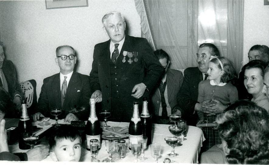 Remise de la médaille militaire à Mr Lentillon