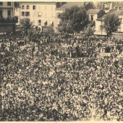 Place de l'hotel de ville de Roanne le 22 Aout 1944